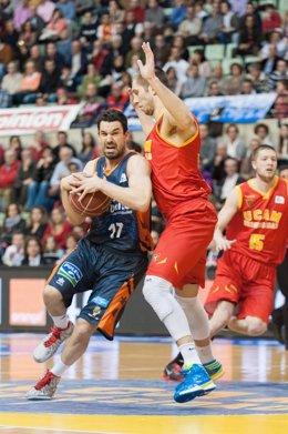 Valencia Basket  gana a UCAM Murcia