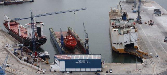 Barco puerto reparación málaga