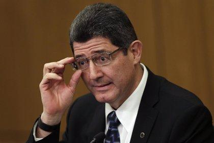 """El ministro de Economía de Brasil ve """"obsoleto"""" el seguro por desempleo"""
