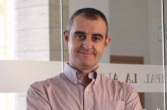 César Nebot