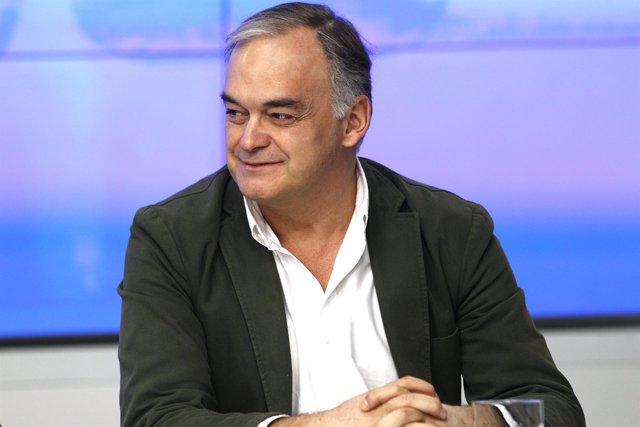 González-Pons en la sede nacional del PP