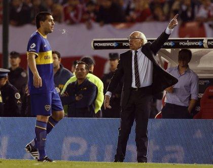 El argentino Riquelme de 36 años dice adiós al fútbol