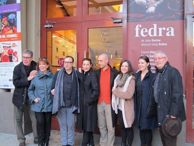 Elenco de 'Fedra' con el director Sergi Belbel