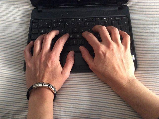Ordenador, portátil, trabajador, gente trabajando, cibertrabajo
