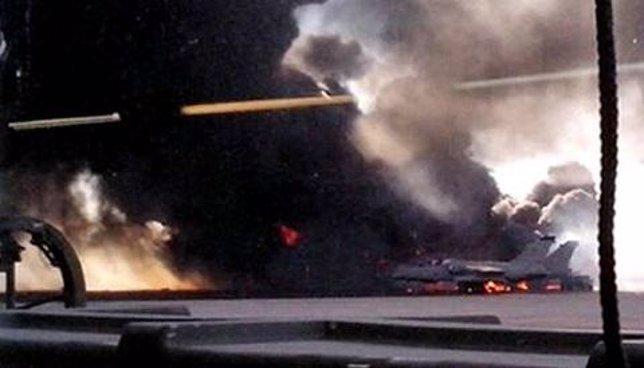 Imagen del accidente aéreo de un F16 en Los Llanos, Albacete