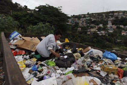 La pobreza en América Latina afecta al 28% de la población en 2014