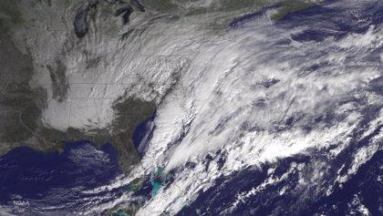 Vuelos cancelados en la costa este de EEUU a la espera de la tormenta de nieve
