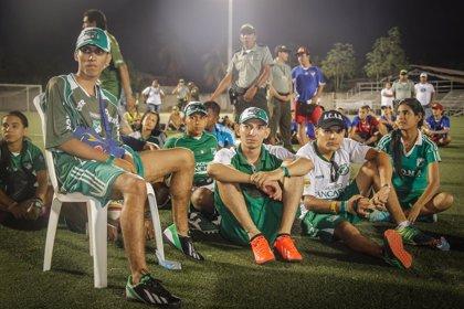 Hinchas de Millonarios y Cali se enfrentan en la Panamericana tras amistoso