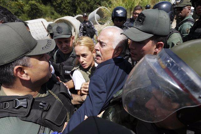 El expresidente de Colombia Andrés Pastrana intenta visitar a Leopoldo López