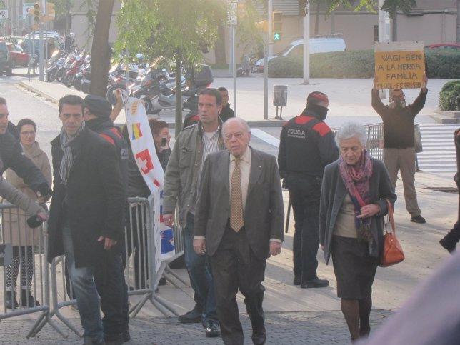 Jordi Pujol y Marta Ferrussola acuden a declarar al juzgado