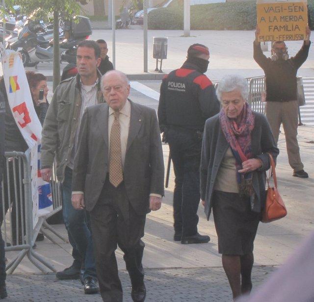J.Pujol y M.Ferrussola llegan a la Ciudad de la justicia para declarar