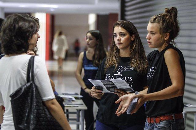 CONFERENCIA DE BIENVENIDA DE ESTUDIANTES ERASMUS En 2013