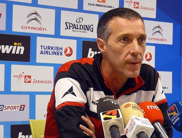 Joaquín Ruiz, entrenador del CAI Zaragoza