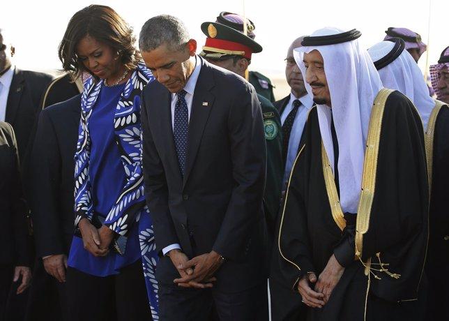 Michelle y Barack Obama junto al rey Salmán de Arabia Saudí