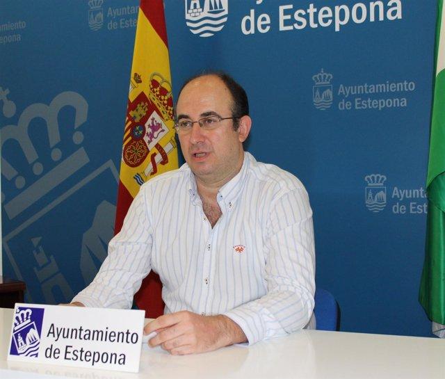 El concejal Estepona Hacienda Manuel Aguilar PP