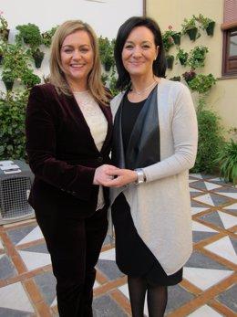 Serrano (izda.) junto a la delegada del Gobierno andaluz en Córdoba