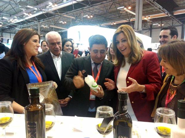 Díaz conoce los aceites 'Jaén Selección' junto a Férriz, Alonso, Reyes y Gálvez.