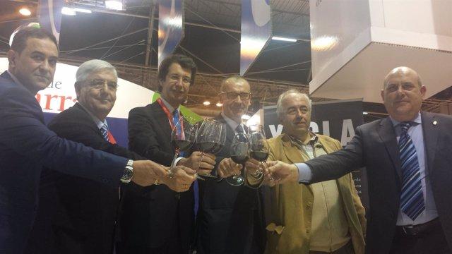 Juan Carlos Ruiz presenta en Fitur las Rutas del Vino de la Región