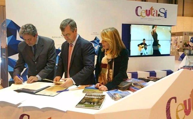 Carreira y garcía urbano firman acuerdo fitur 2015
