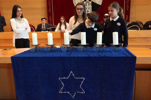 Acto en memoria del Holocausto