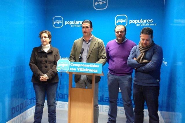 Dirigentes del PP de Villafranca con Agustín Palomares