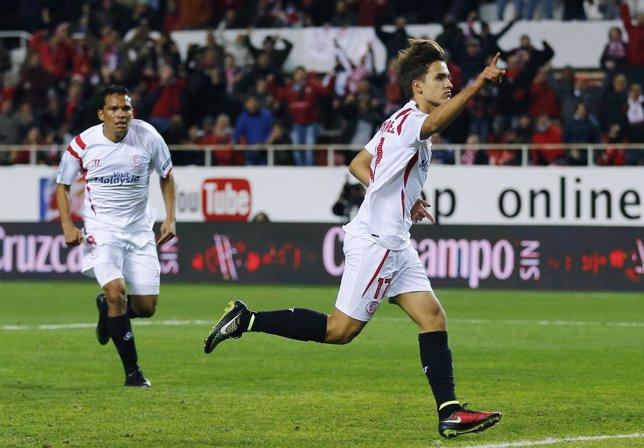 El Sevilla somete al Málaga con un gran Bacca