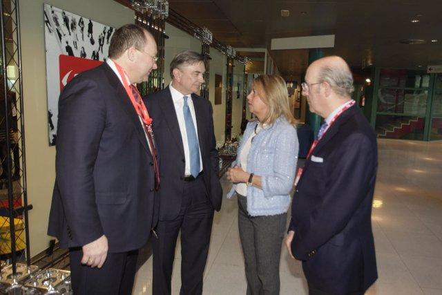 Muñoz reunión en Fitur 2015