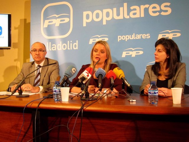 Ruiz Medrano, Blanco y Arenales Serrano, en la sede del PP de Valladolid.
