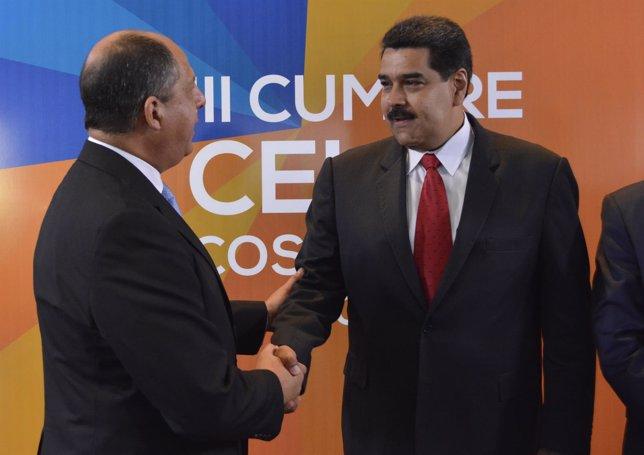 Presidente de Costa Rica Luis Guillermo Solis da la bienvenida a Nicolás Maduro