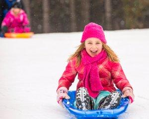 Trineo, descensos nieve con niños