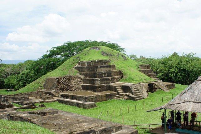 Maya San Andrés