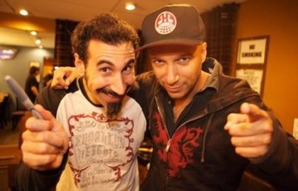 Serj Tankian y Tom Morello versionan Crazy Train de Ozzy Osbourne