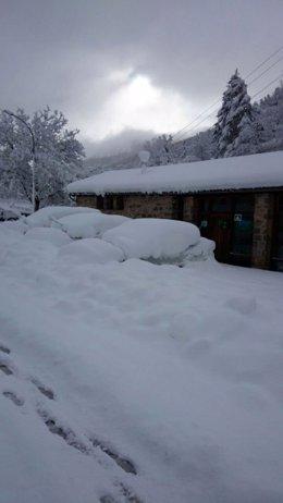 Imagen de la localidad de Garde tras la nevada de esta noche.