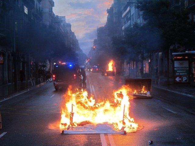 Disturbios tras la manifestación por el desalojo de 'Can Vies'