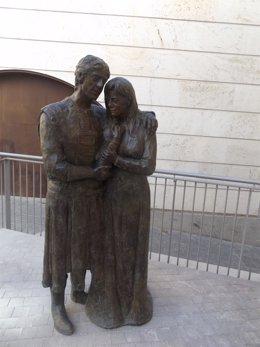 Escultura en bronce de Los Amantes de Teruel, de Manuel Escriche