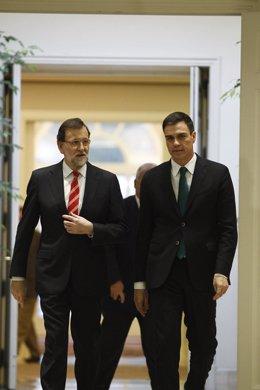 Rajoy y Sánchez firman el pacto antiyihadista en Moncloa