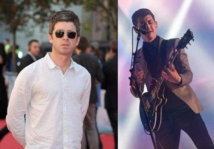"Noel Gallagher: ""Prefiero beber gasolina que escuchar a Alex Turner"""