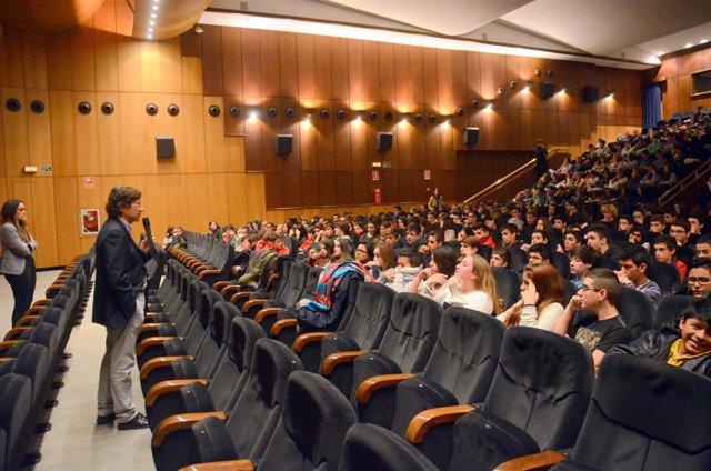 Una de las sesiones de 'El cine en la enseñanza'