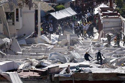 Se elevan a cuatro los fallecidos por la explosión de un hospital en México DF