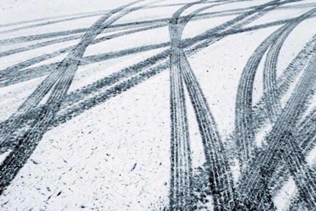 Carretera en invierno (nieve)