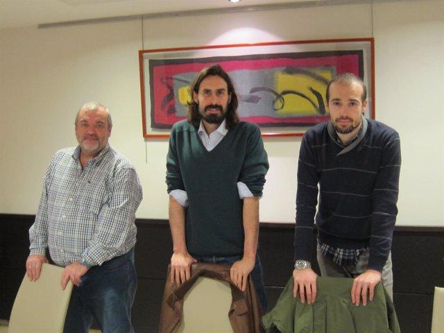 Juanma Brun, líder de Podemos Santander, junto a miembros del Consejo Ciudadano
