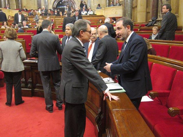 Artur Mas, Ramon Espadaler y otros consellers en el pleno del Parlament