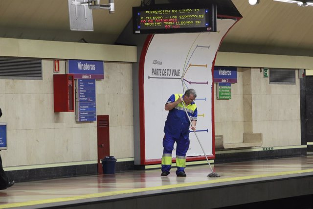 Limpiador en el metro