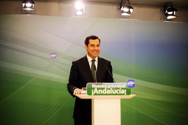 Juanma Moreno en rueda de prensa este lunes
