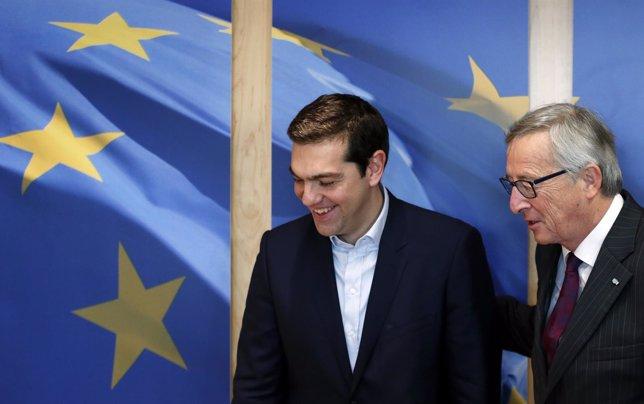 Juncker y Tsipras acuerdan seguir negociando sobre la deuda pero de forma confid