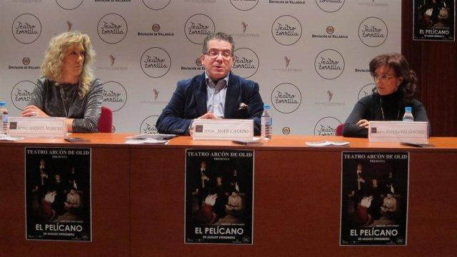 Juan Casado (centro) con Raquel Moreno (izq) y Esperanza Sánchez