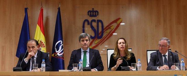 Miguel Cardenal junto con otros directivos de CSD, LFP o RFEF.