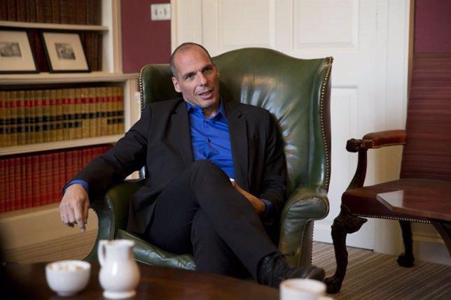 Varoufakis se entrevistó con el representante del FMI en la troika