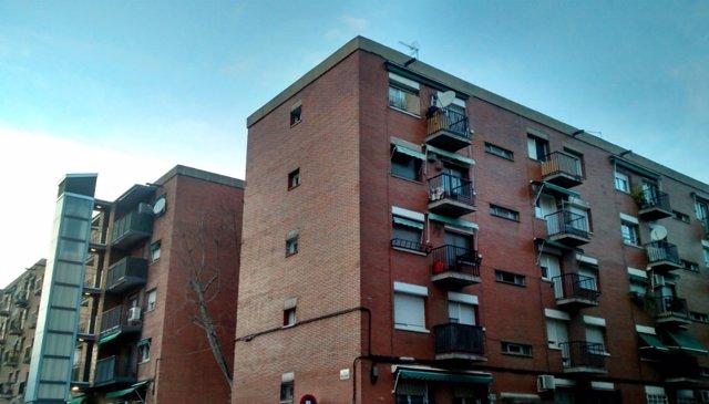 Imagen de un bloque de pisos de Can Puiggener