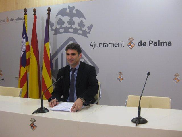 Martínez en la rueda de prensa